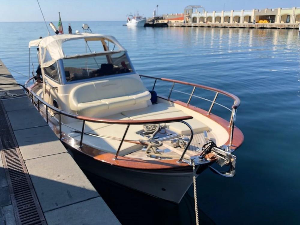 Louer Bateau à moteur avec ou sans skipper Fratelli Aprea à Sorrento