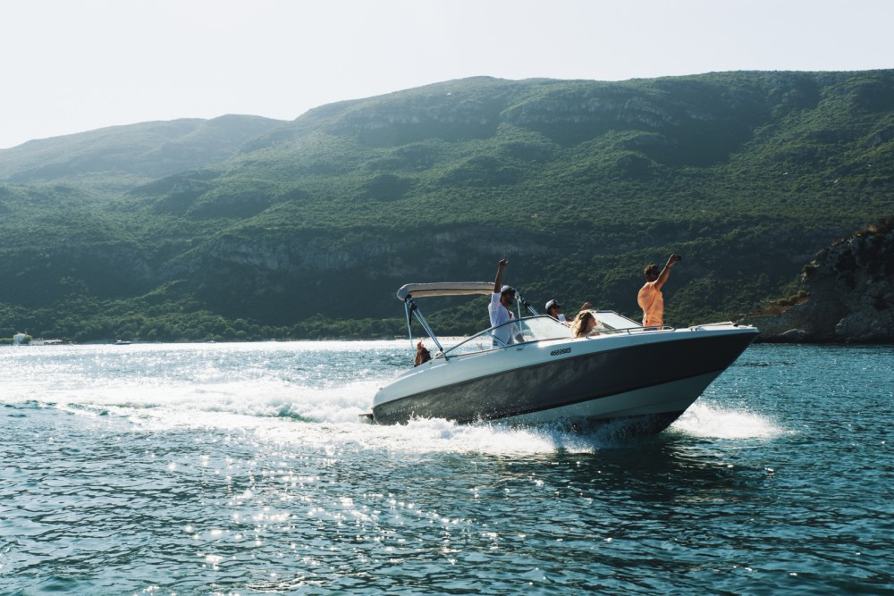 Alquiler de barcos Área Metropolitana de Lisboa barato de Capri 2350