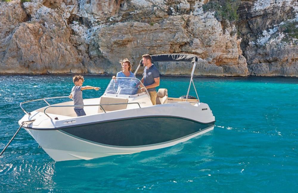 Location bateau Quicksilver Activ 555 Open Edition Smart à Gruissan sur Samboat