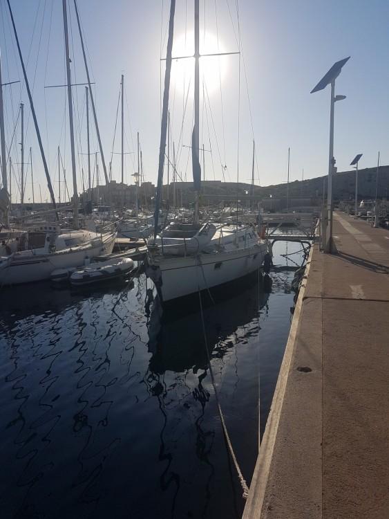 Segelboot mit oder ohne Skipper Jeanneau mieten in Marseille