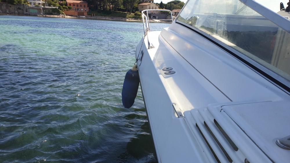 Rental Motor boat in Saint-Tropez - Bénéteau Flyer 8