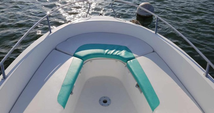 Location bateau Lège-Cap-Ferret pas cher Cap Camarat 625