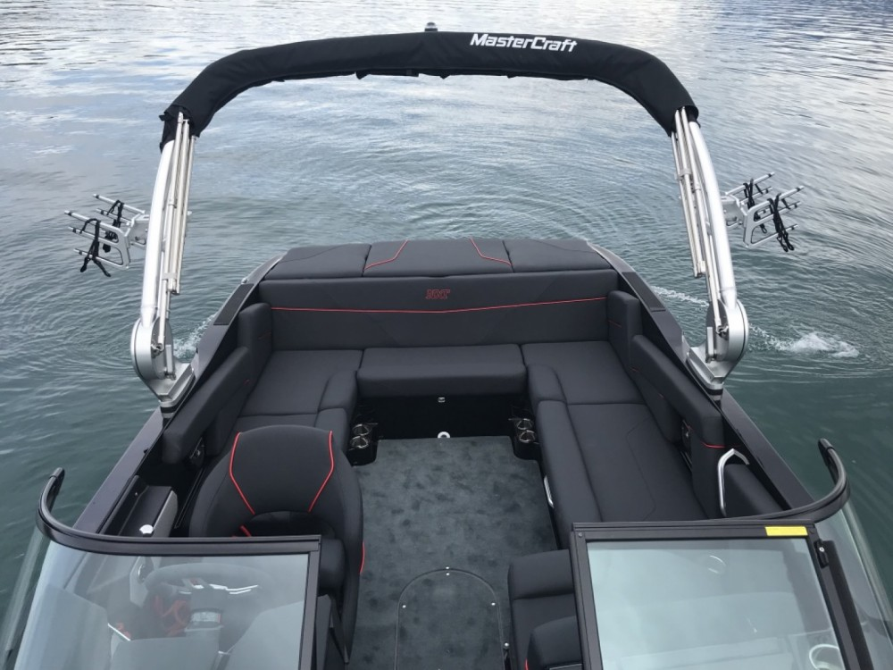 Mastercraft NXT 22 between personal and professional Lutry