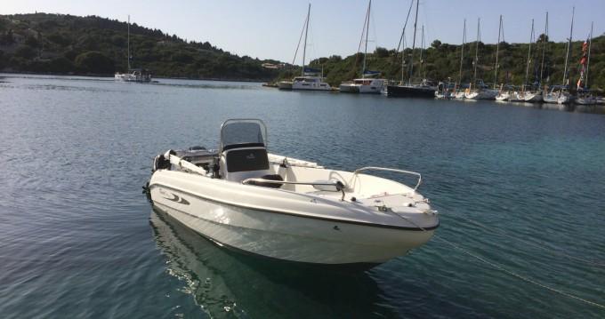 Location Bateau à moteur à Gáïos - Karel Boat F30ELPT