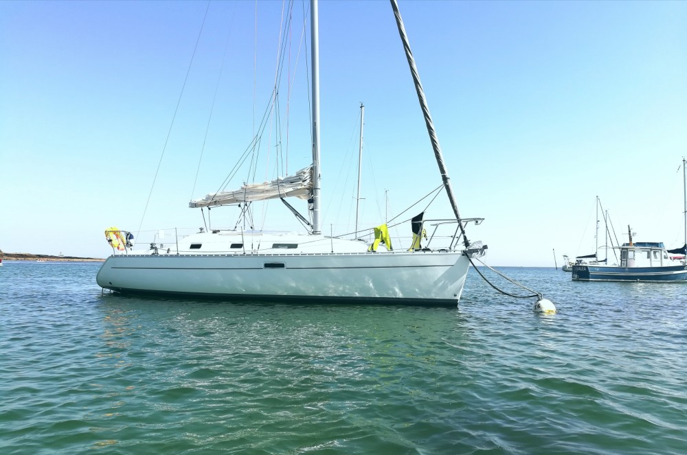 Rental yacht Lorient - Bénéteau Oceanis 311 DL on SamBoat