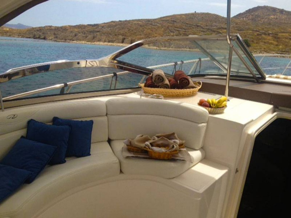 Motor boat for rent Athens at the best price