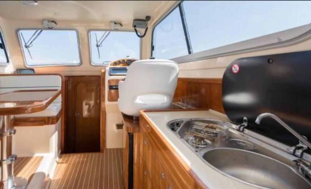 Bootverhuur Damor Fjera 980 in Trogir via SamBoat