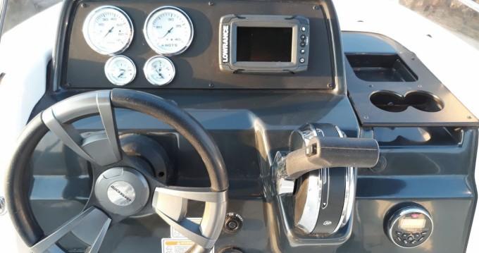 Louer Bateau à moteur avec ou sans skipper Quicksilver à Vinišće