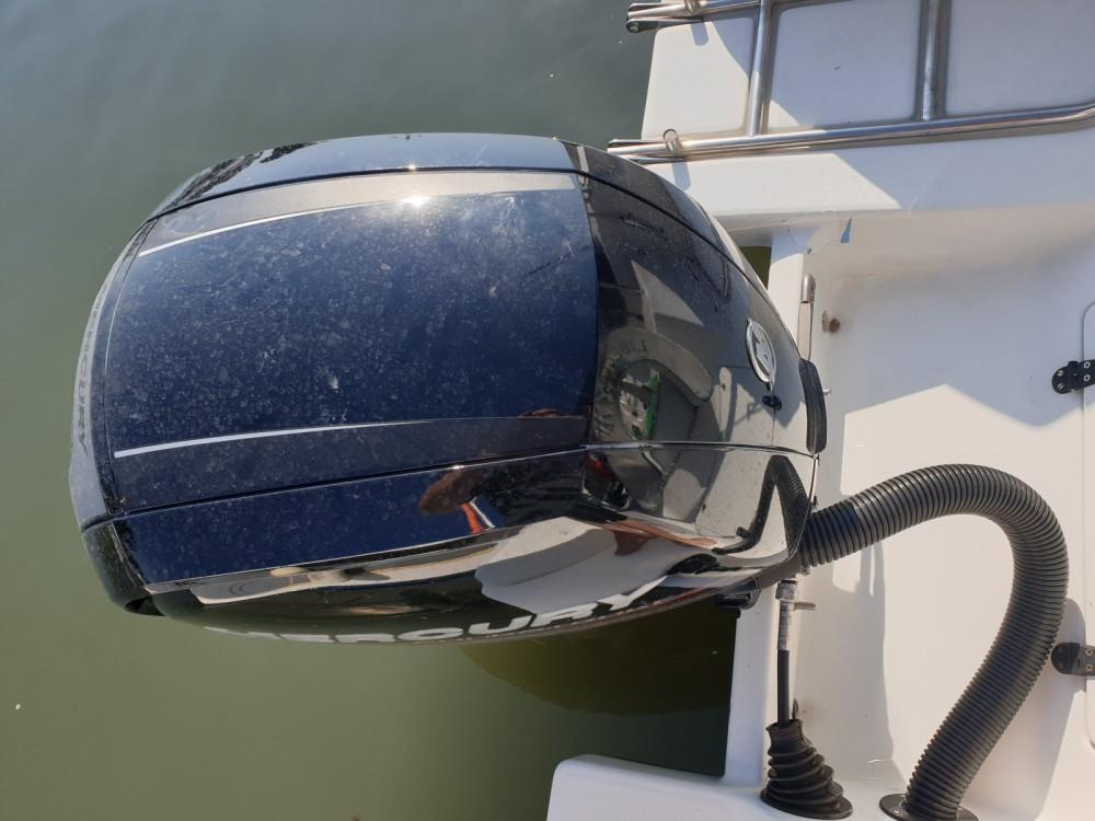 Rental Motor boat in Hyères - Bénéteau Flyer 5.6