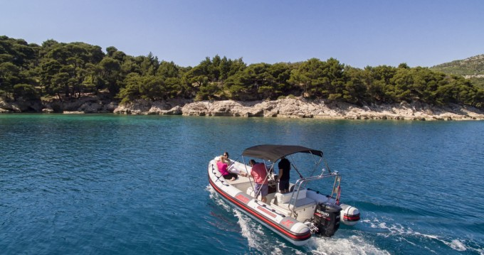 Joker Boat Clubman 21 entre particuliers et professionnel à Dubrovnik