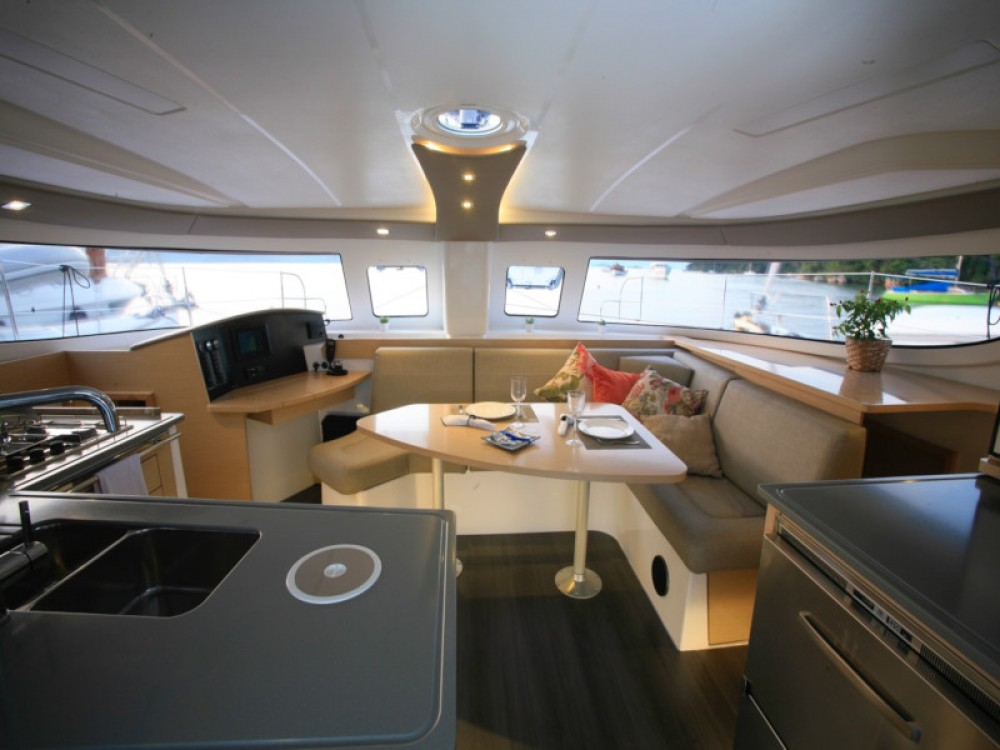 Verhuur Catamaran in Paraty - Fountaine Pajot Lipari 41