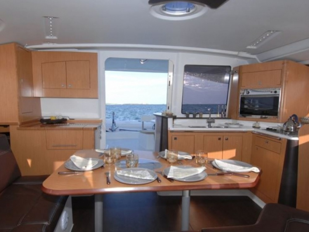 Bootverhuur Fountaine Pajot Lipari 41 in Paraty via SamBoat