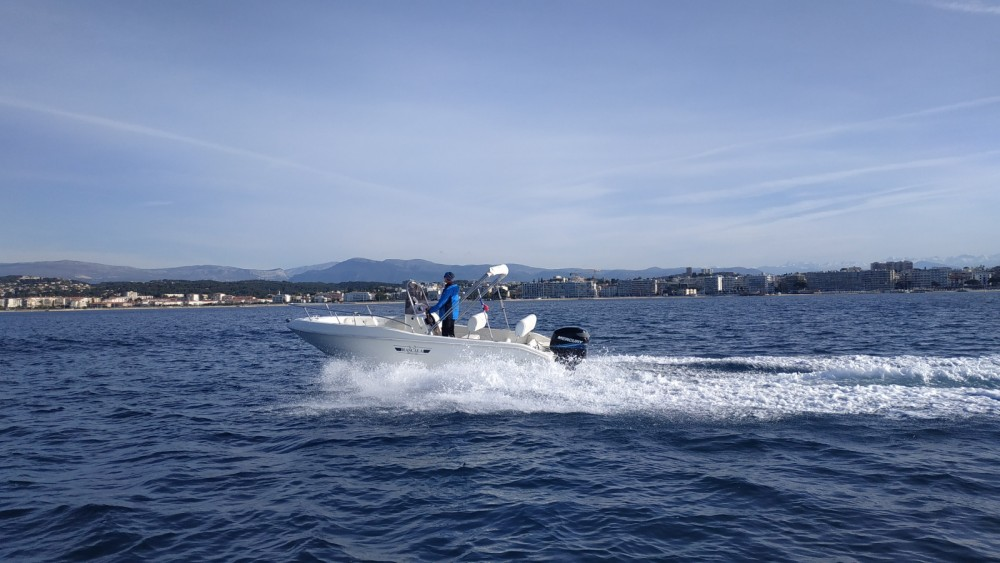 Location bateau Antibes pas cher RASCALA FUTURAMA 550