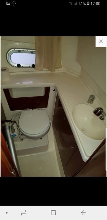 Louer Bateau à moteur avec ou sans skipper Jeanneau à Santa Eulalia del Río