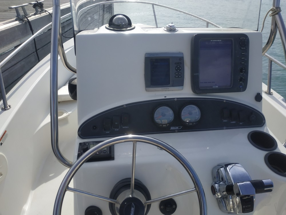 Bootverhuur Boston Whaler Boston Whaler 19 Outrage in Saint-Laurent-du-Var via SamBoat
