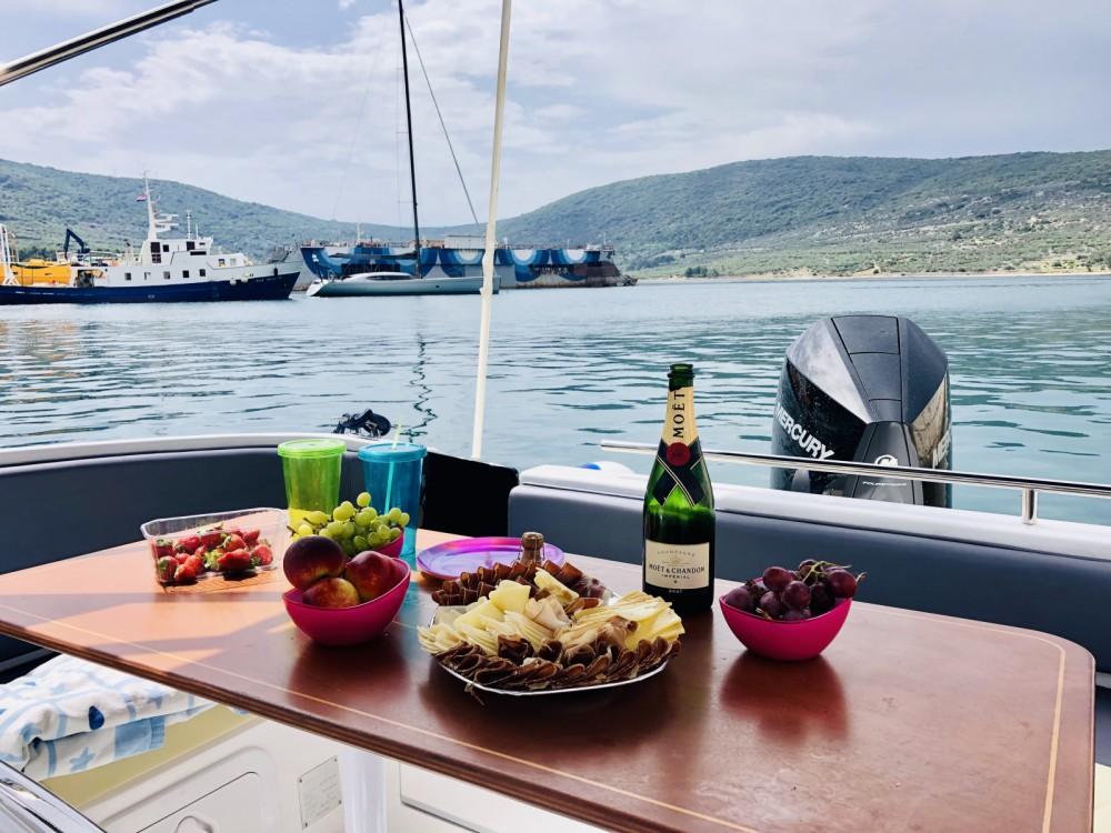 Location bateau SAVER 750 WA Saver 750 Cabin  WA à Opatija sur Samboat