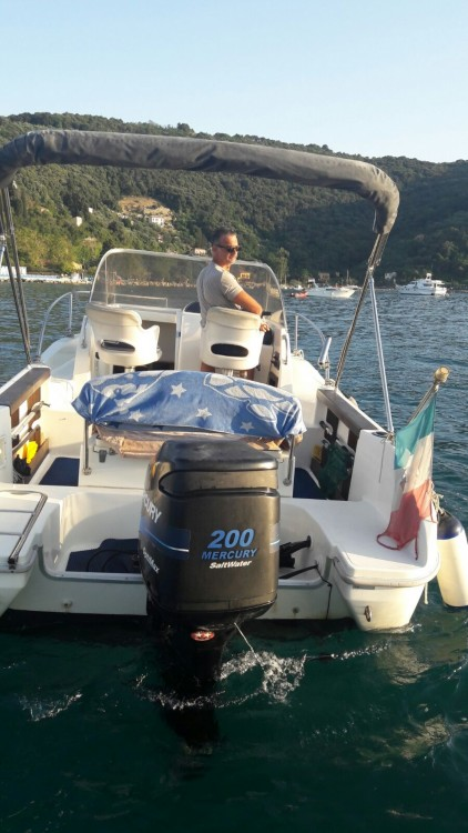 Huur een Capelli CAP 23 WA in La Spezia