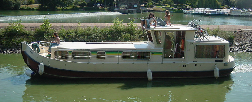 Rental Houseboat Les Canalous with a permit