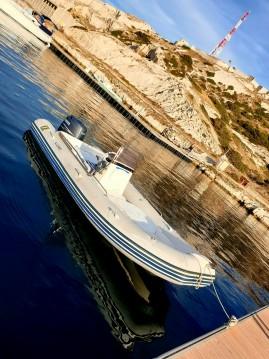 Location yacht à Pointe-Rouge - Zodiac Medline II sur SamBoat