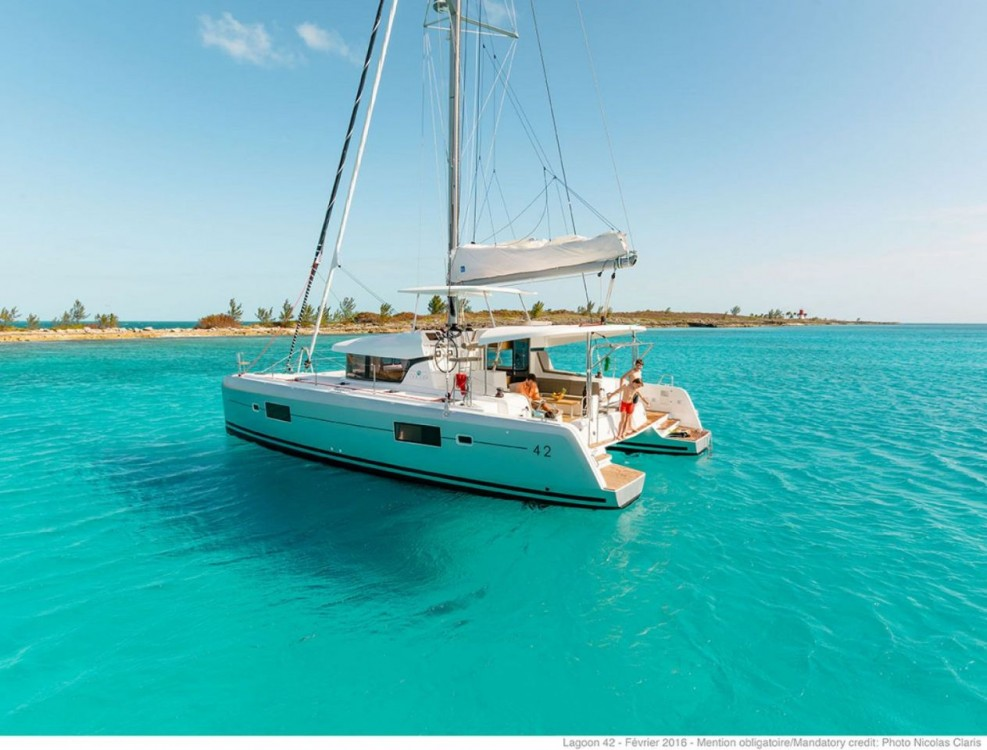 Huur een Lagoon Lagoon 42 - 4 + 2 cab. in Balearic Islands