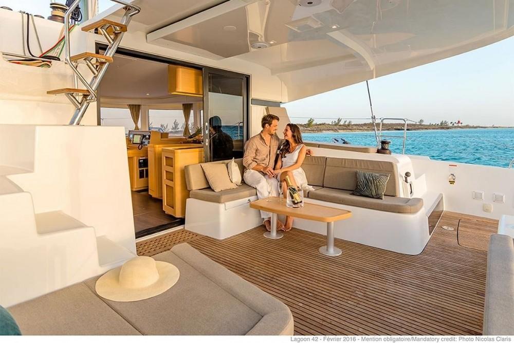 Verhuur Catamaran in Balearic Islands - Lagoon Lagoon 42 - 4 + 2 cab.