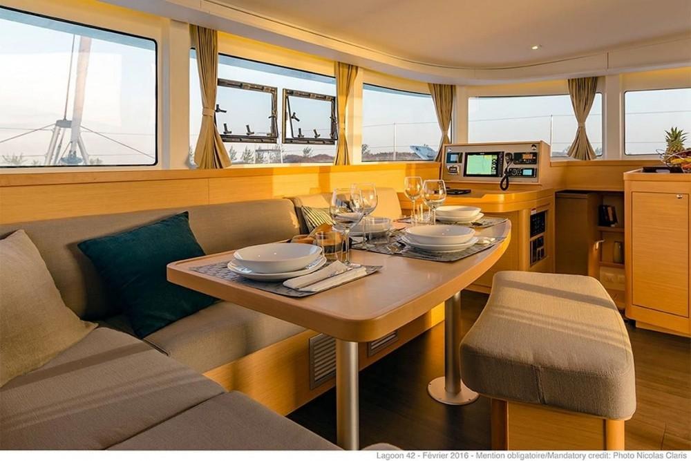 Bootverhuur Balearic Islands goedkoop Lagoon 42 - 4 + 2 cab.
