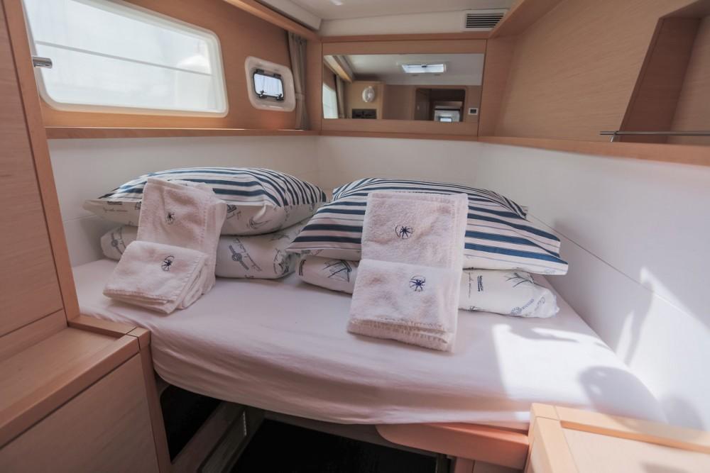 Verhuur Catamaran in Balearic Islands - Lagoon Lagoon 450 F - 4 + 2 cab.