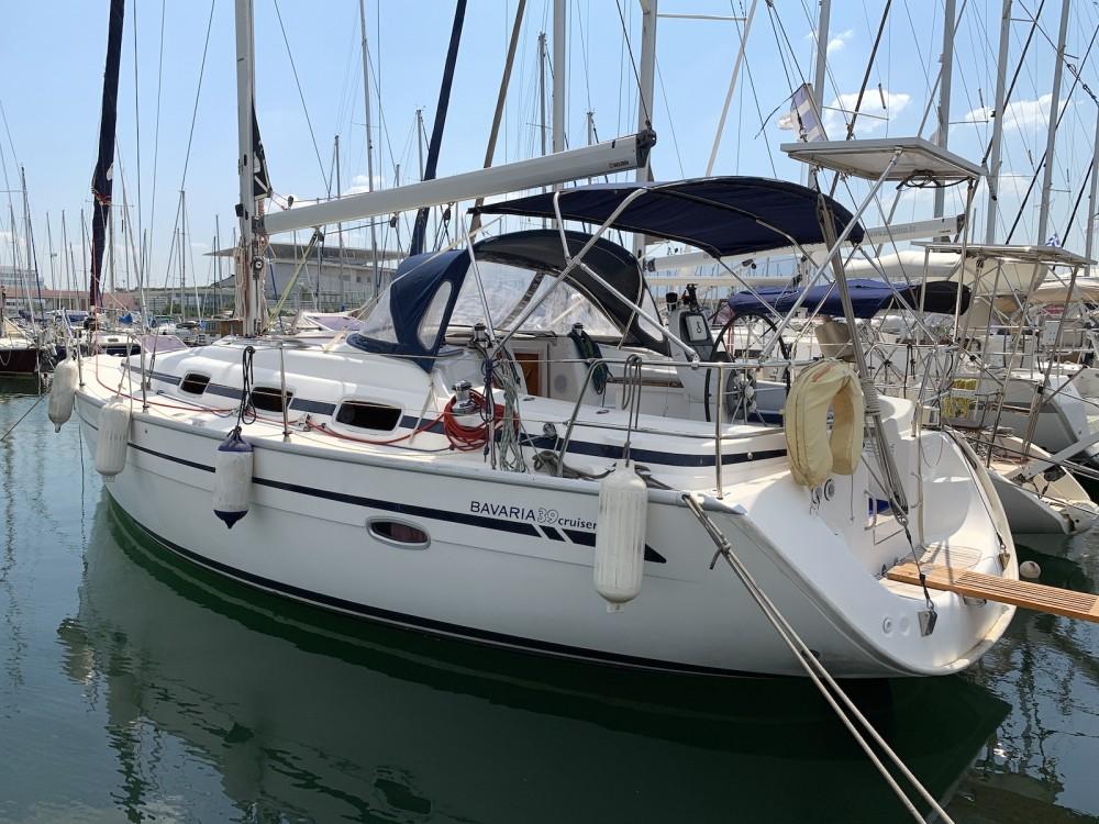 Huur een Bavaria Bavaria 39 Cruiser in Athene