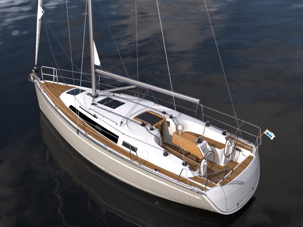 Huur een Bavaria Bavaria Cruiser 34 / 3 in Morningside marina