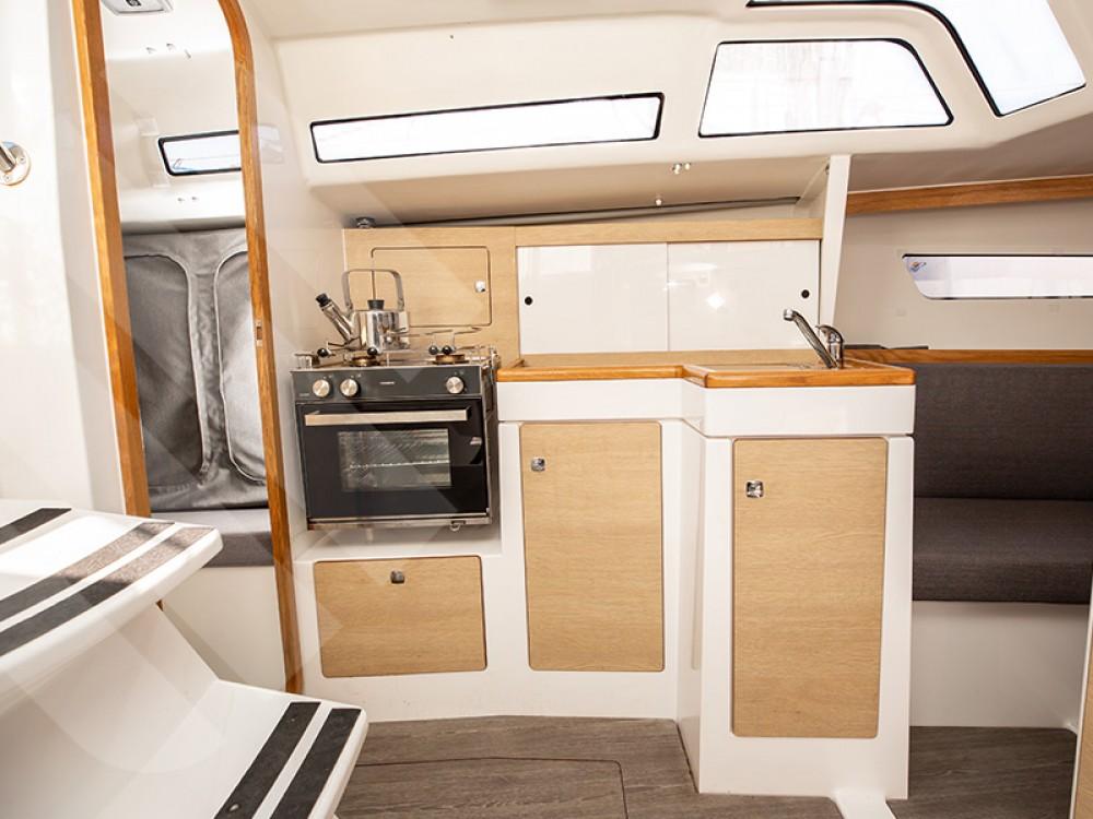 Rental Sailboat in Marseille -  Ofcet 32 sc
