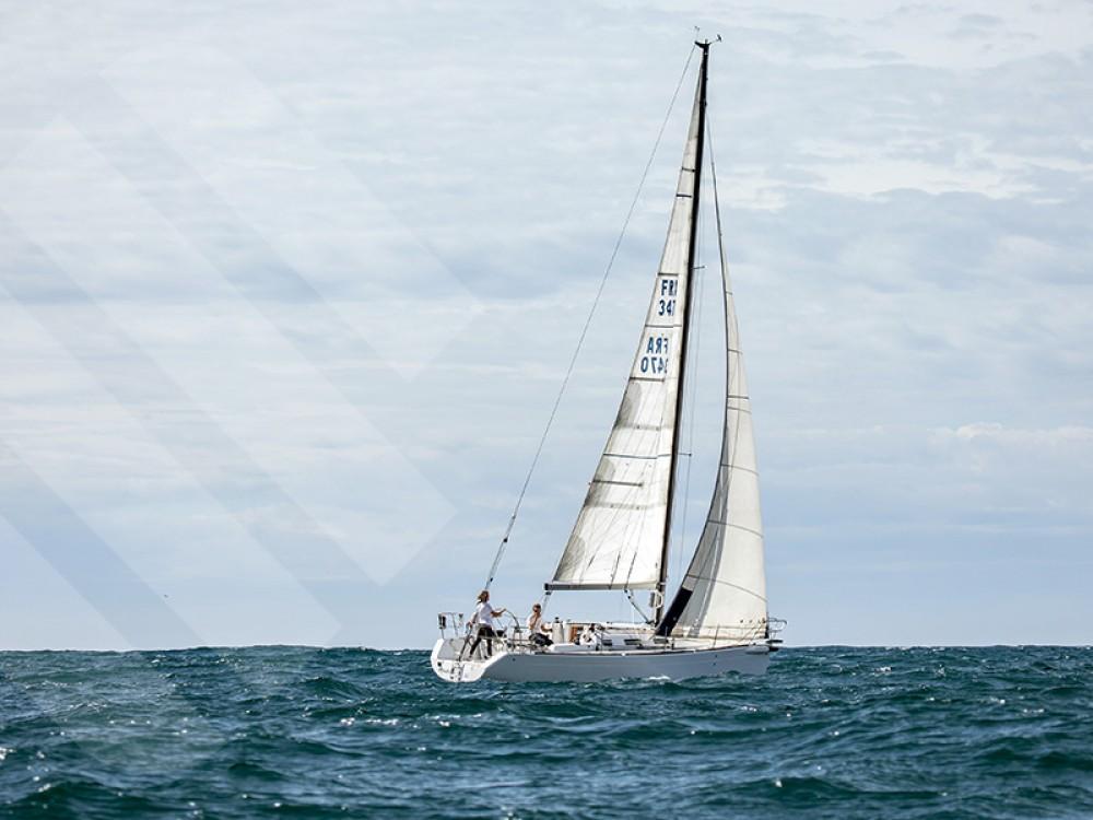 Rental yacht Marseille - Bénéteau First 34.7 on SamBoat