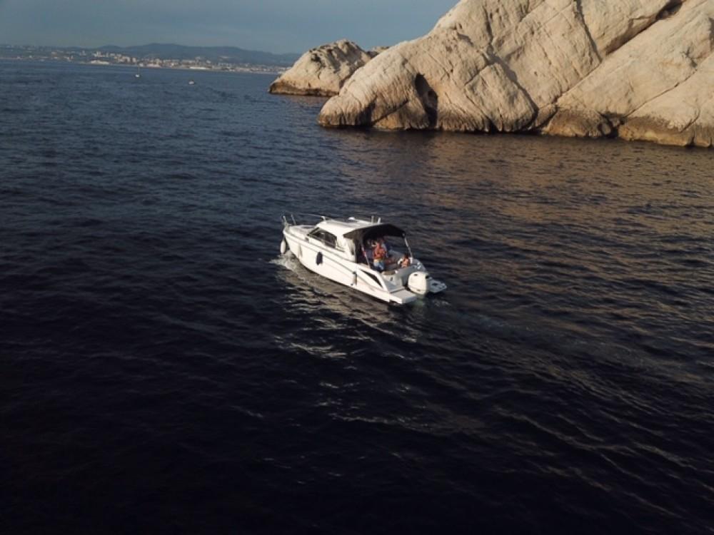 Bénéteau Antares 8 OB entre particuliers et professionnel à Marseille