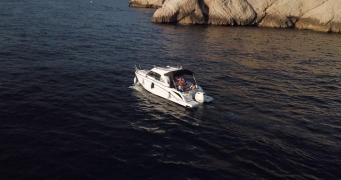 Louez un Bénéteau Antares 8 OB à Marseille