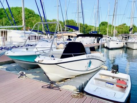 Location bateau Le Marin pas cher Flyer 650 Open