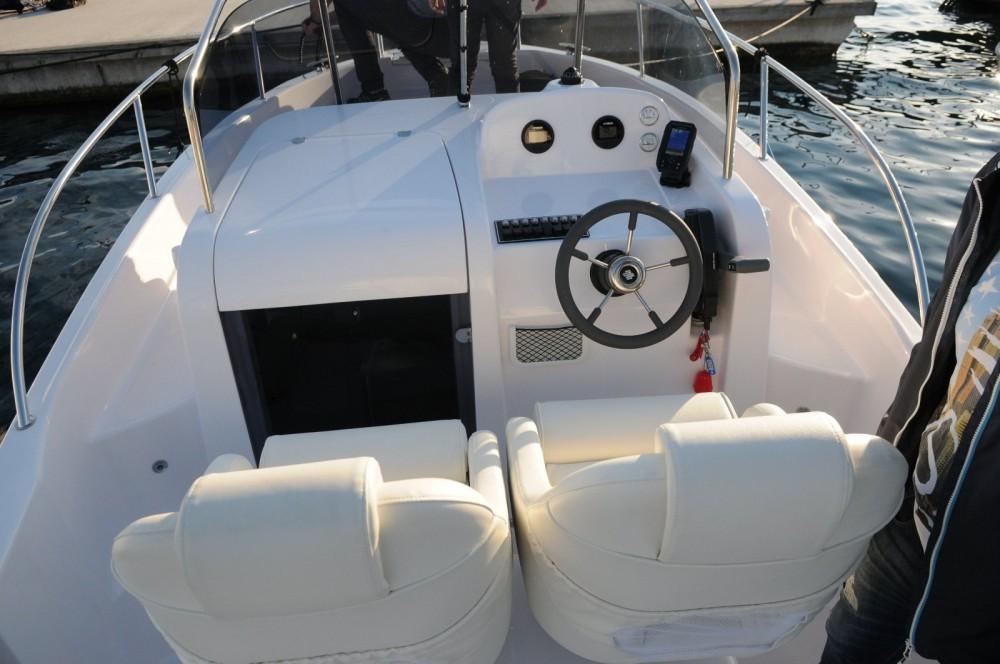 Huur Motorboot met of zonder schipper Elan in Kroatië