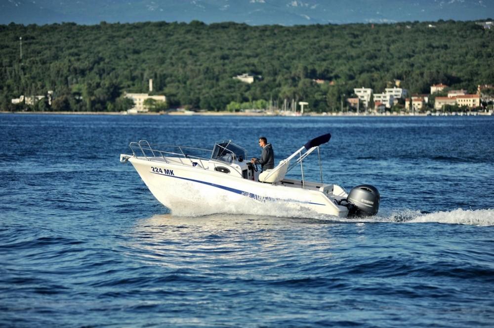 Motorboot te huur in Kroatië voor de beste prijs