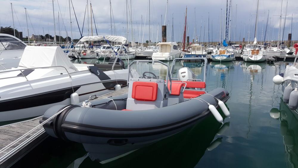 Location bateau Highfield Patrol 600 à Quiberon sur Samboat