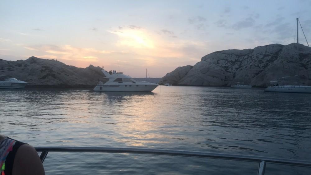 Location Bateau à moteur à Marseille - Aquabat sport line 615 open