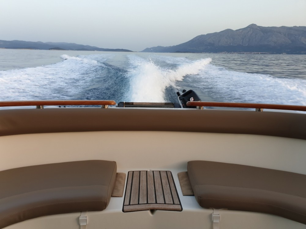 location yacht jeanneau prestige 46 fly unplugged
