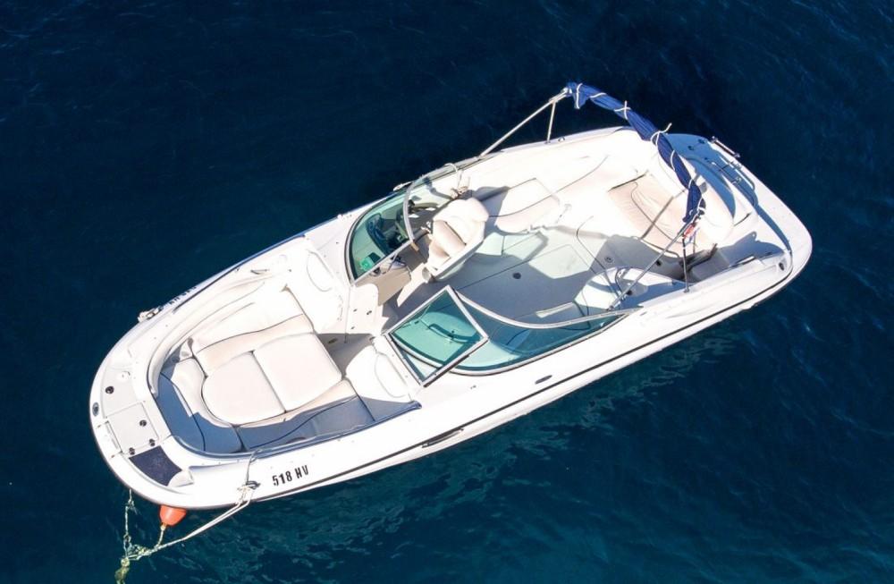Huur Motorboot met of zonder schipper Crownline in Hvar