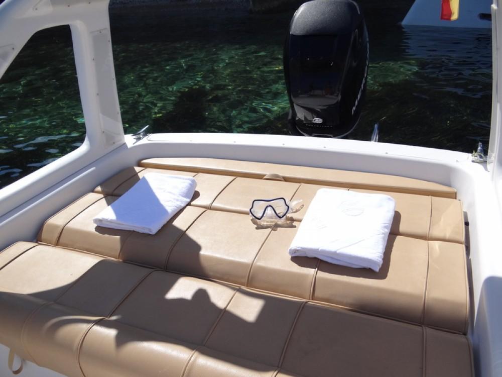 Huur een Sacs Sacs S 25 Dream in Ibiza