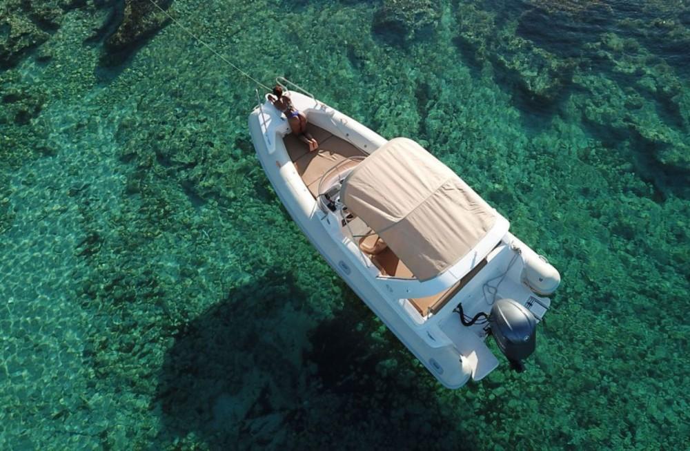Location bateau Aquamax Aquamax  à Hvar sur Samboat