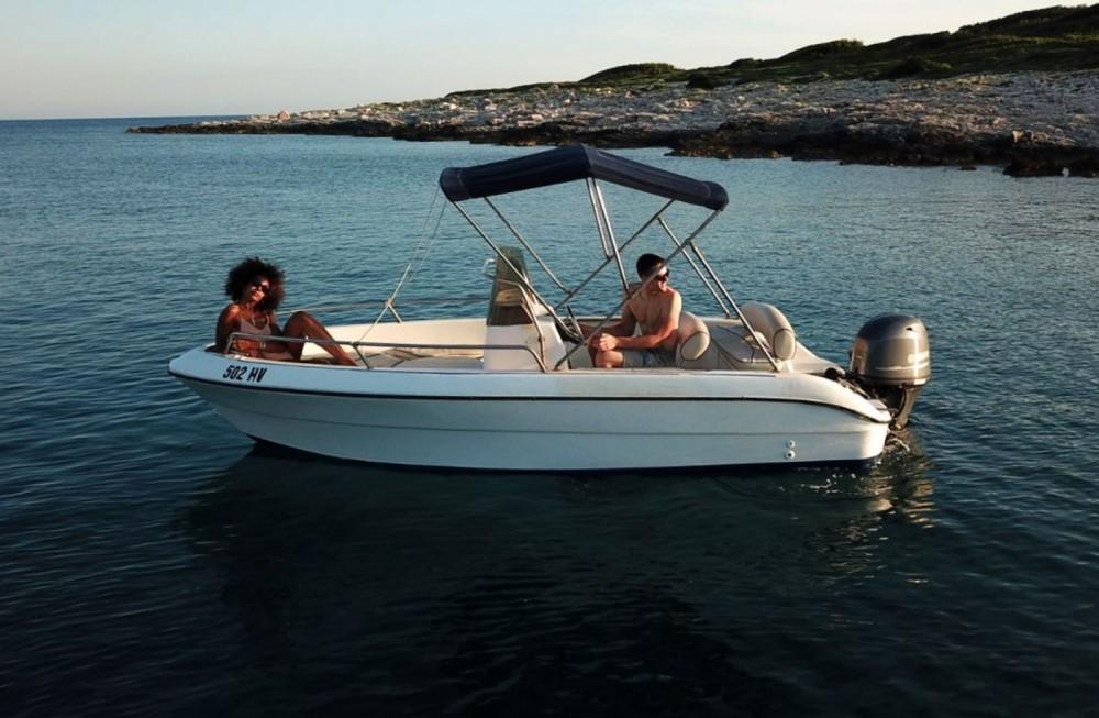 Bootverhuur Fisher Key  Fisher Key  in Hvar via SamBoat