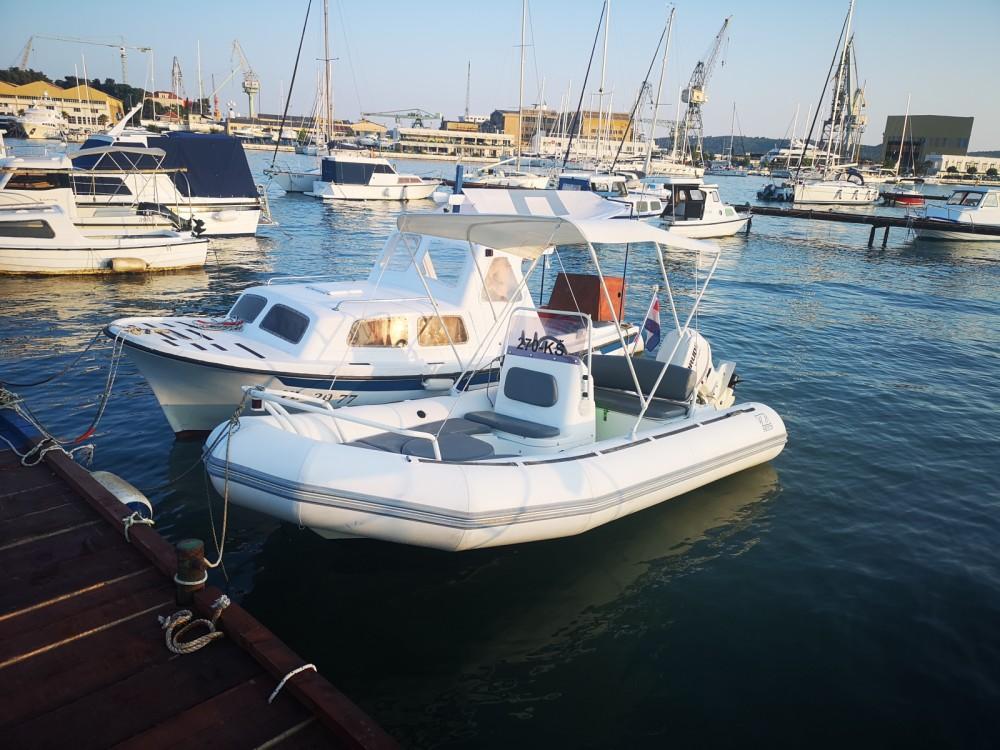 Location Semi-rigide à Trogir - Zodiac Yachtline 480 Deluxe Rib