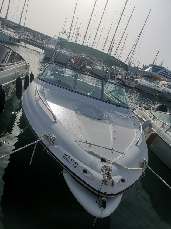Four Winns Sundowner 235 between personal and professional Toulon