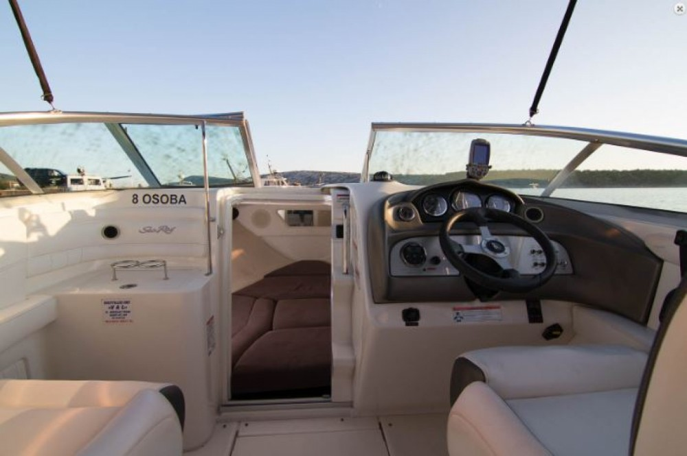 Huur een Sea Ray 240 Sun Sport in Barbat na Rabu