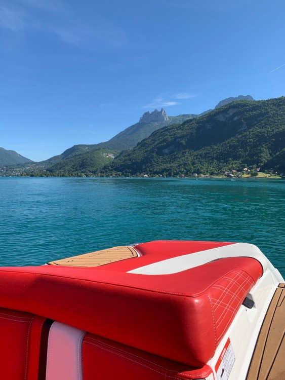 Verhuur Motorboot in Annecy - Nautique Correct Craft super air nautique G21