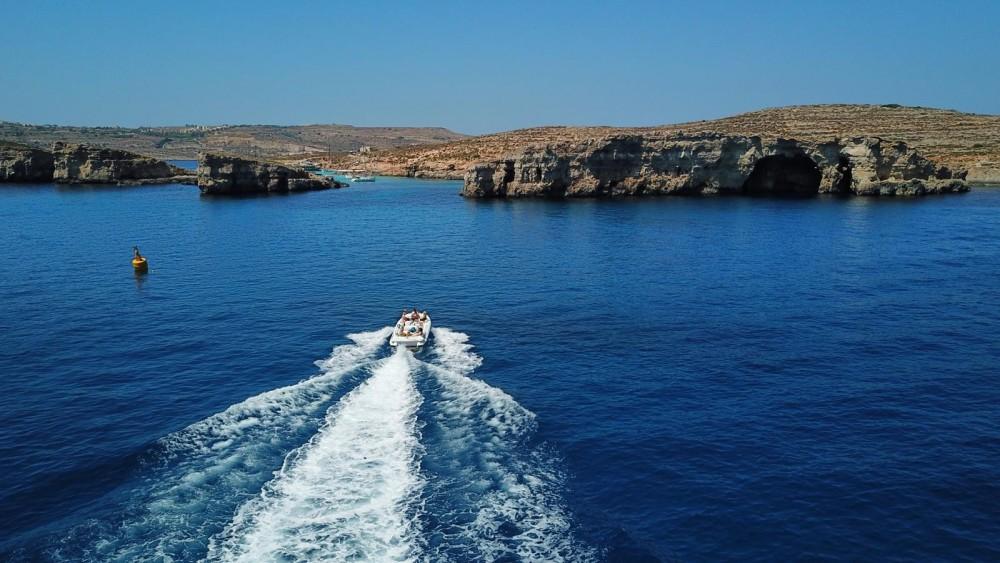 Verhuur Motorboot in Tas-Sliema - Castoldi Jet 21