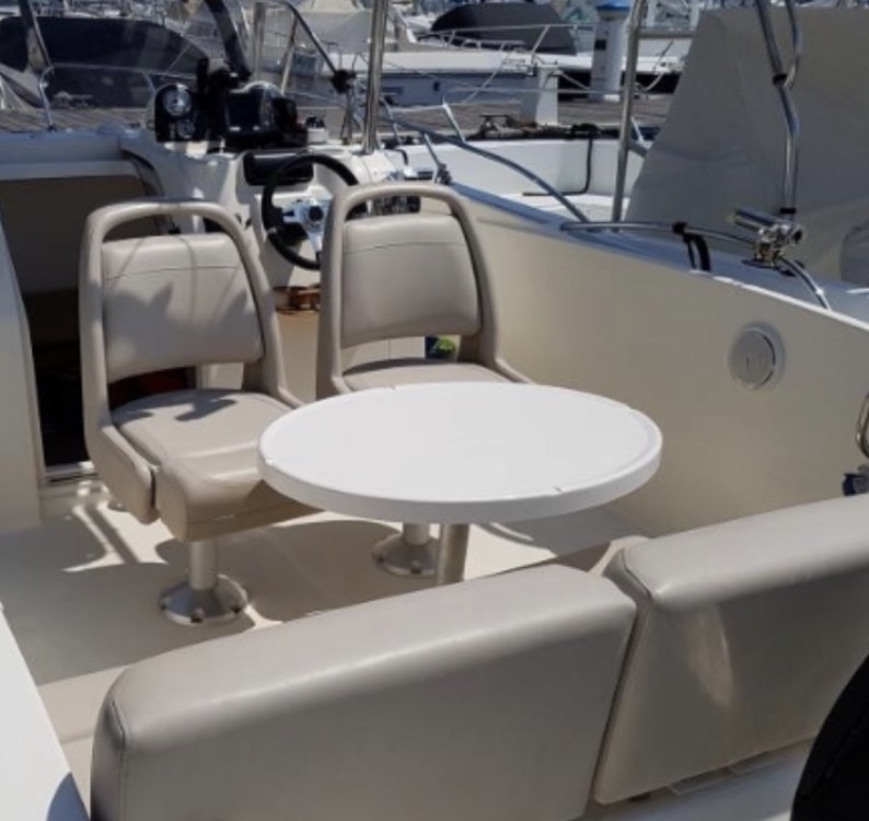 Boat rental Quicksilver Activ 675 Open in Antibes on Samboat