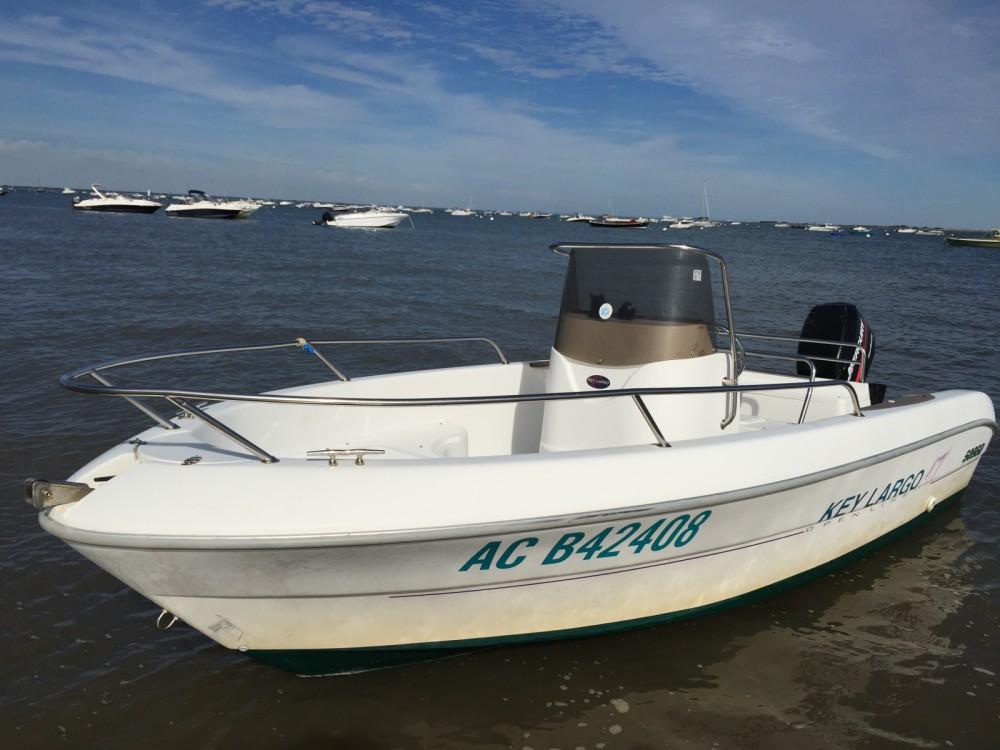 Sessa Marine Key Largo 17 entre particuliers et professionnel à Lège-Cap-Ferret